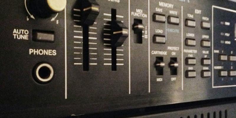 Roland MKS80