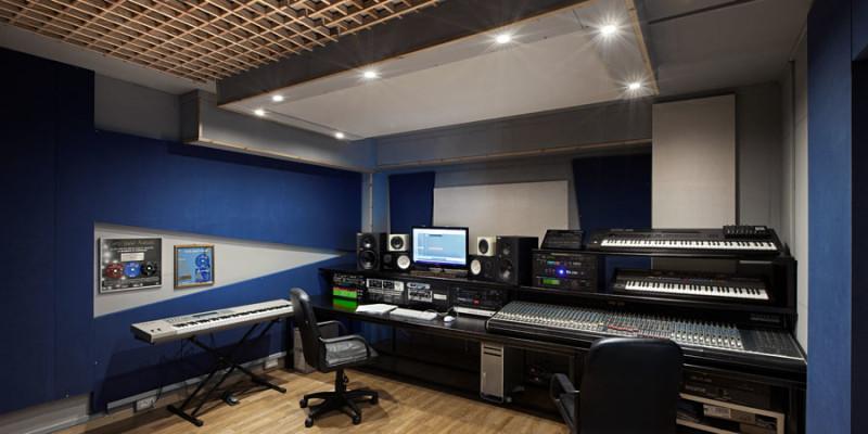 control-room-B