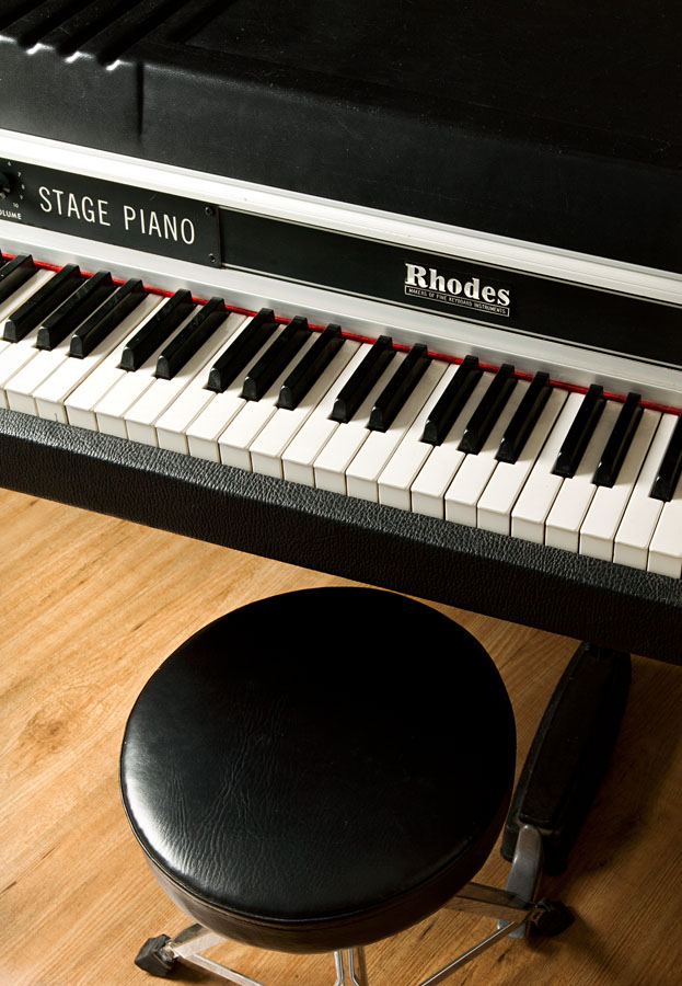 rhodes-stage-piano